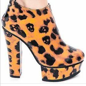 Iron Fist Change Your Leopard Spits Platform Heels